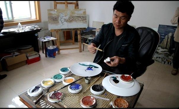 фото мастера Вэнь Цзинь Ченя за работой